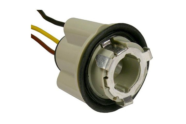 3-Wire GM Double Contact Park, Stop, Tail & Turn 'Twist Lock' Light Socket.