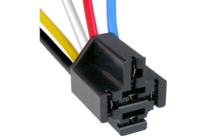 automotive pigtails sockets rh jttproducts com GM Alternator Plug GM Wire Ends